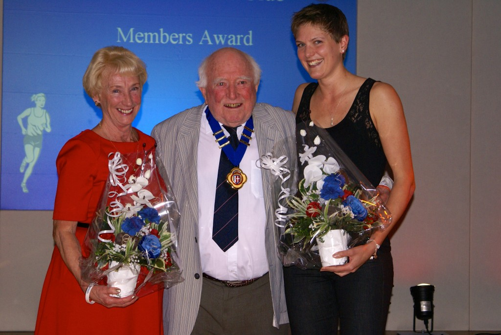 Sylvia Alond, Club President George Kirby and Helen Leigh, Jean's daughter, accepting the Award on her behalf.