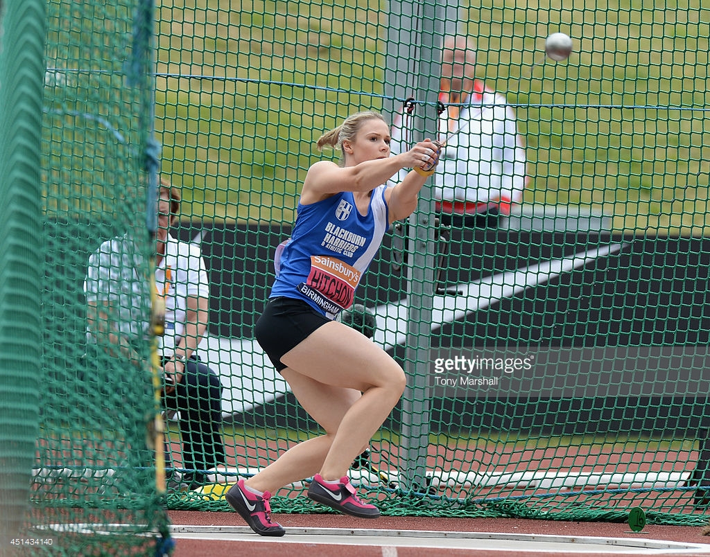 sophie-hitchon-competing-in-the-womens-hammer-throw-final-during-the-picture-id451434140