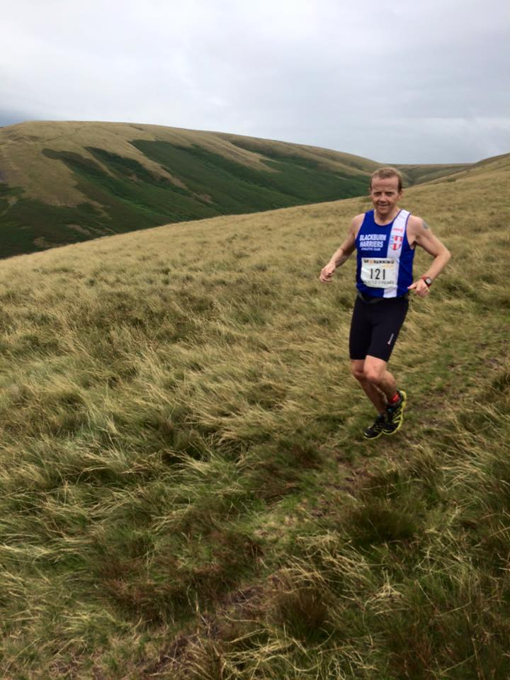Individual and Team Wins for the Harriers at Horwich – Three Peaks at Pendle & other Results