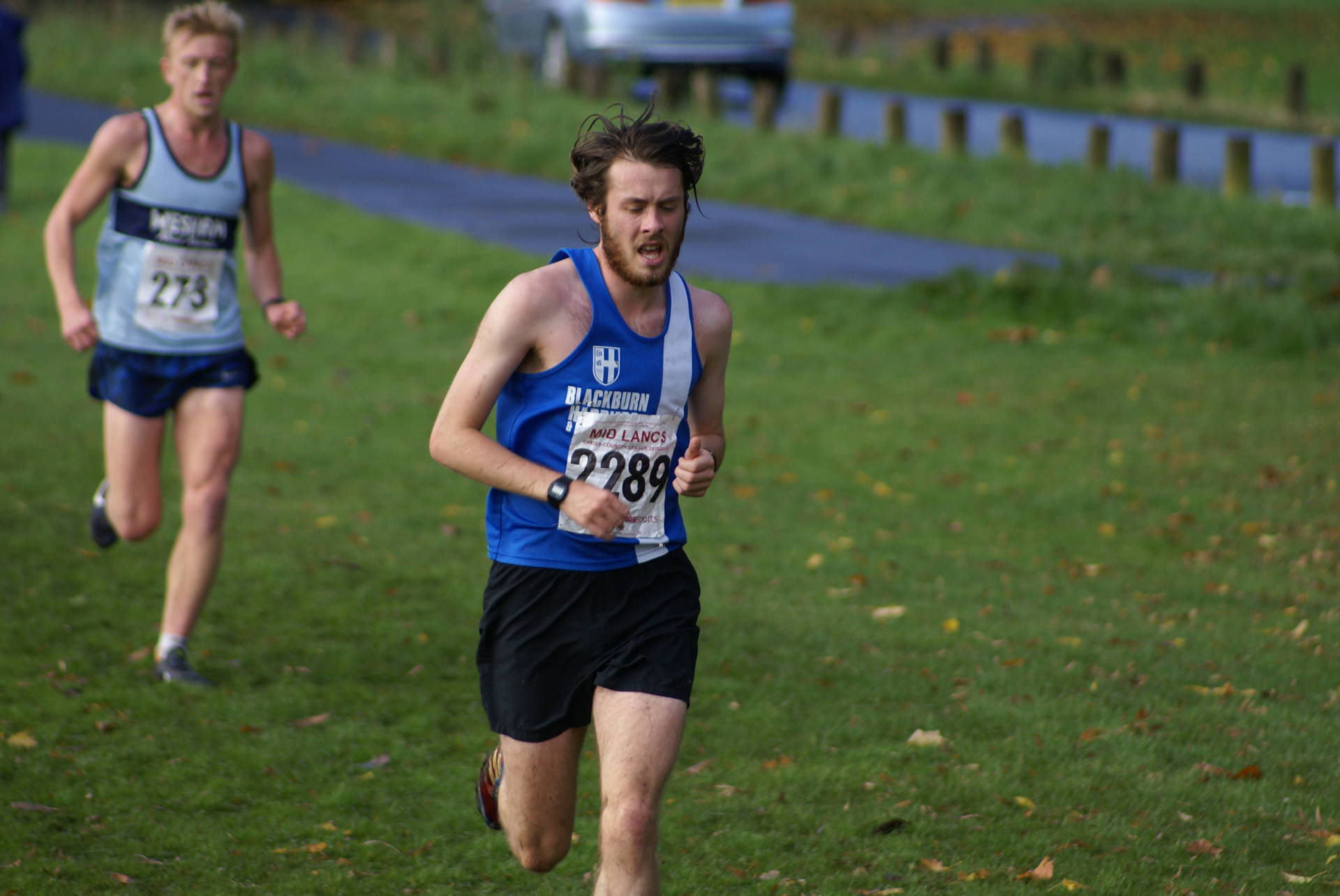 Karl leads the Harriers to Mens Senior Team Win at Burnley and fine runs from the Clubs young athletes