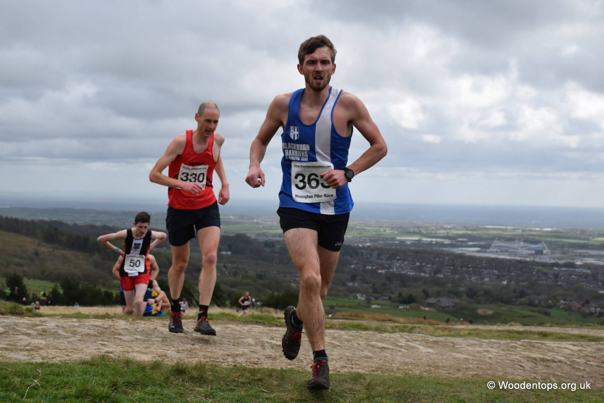 New PB's for Harriers at Salford 10k – Rivington Pike – Top ten for Richard & Jack at Clitheroe – 10k PB for Joe in Isle of Man