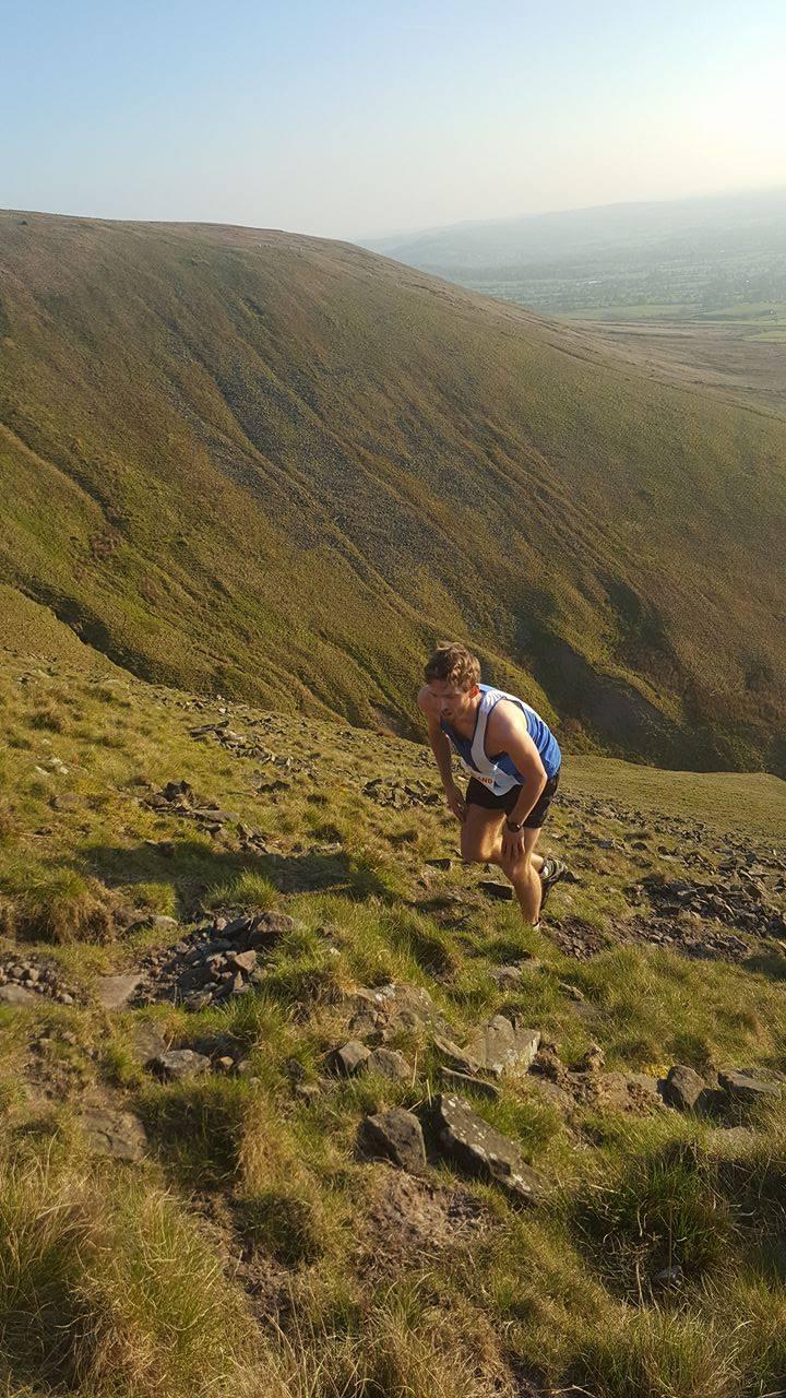 Leah Runs Cown 5k – Dexta 3rd in 1st BOFRA Race – Gt Hambledon Hill Race – Mearley Clough