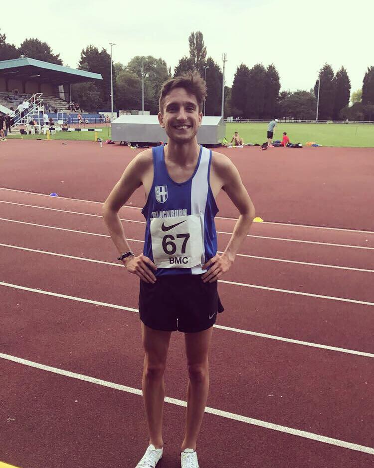 Rob PB's again in 1500m – Carmen wins Vets 5000m – Three Harriers in top ten Senior Race at Padiham – Dexta Wins at Padiham & Ambleside – Harrier's U11 youngsters at Burnley Open Meeting