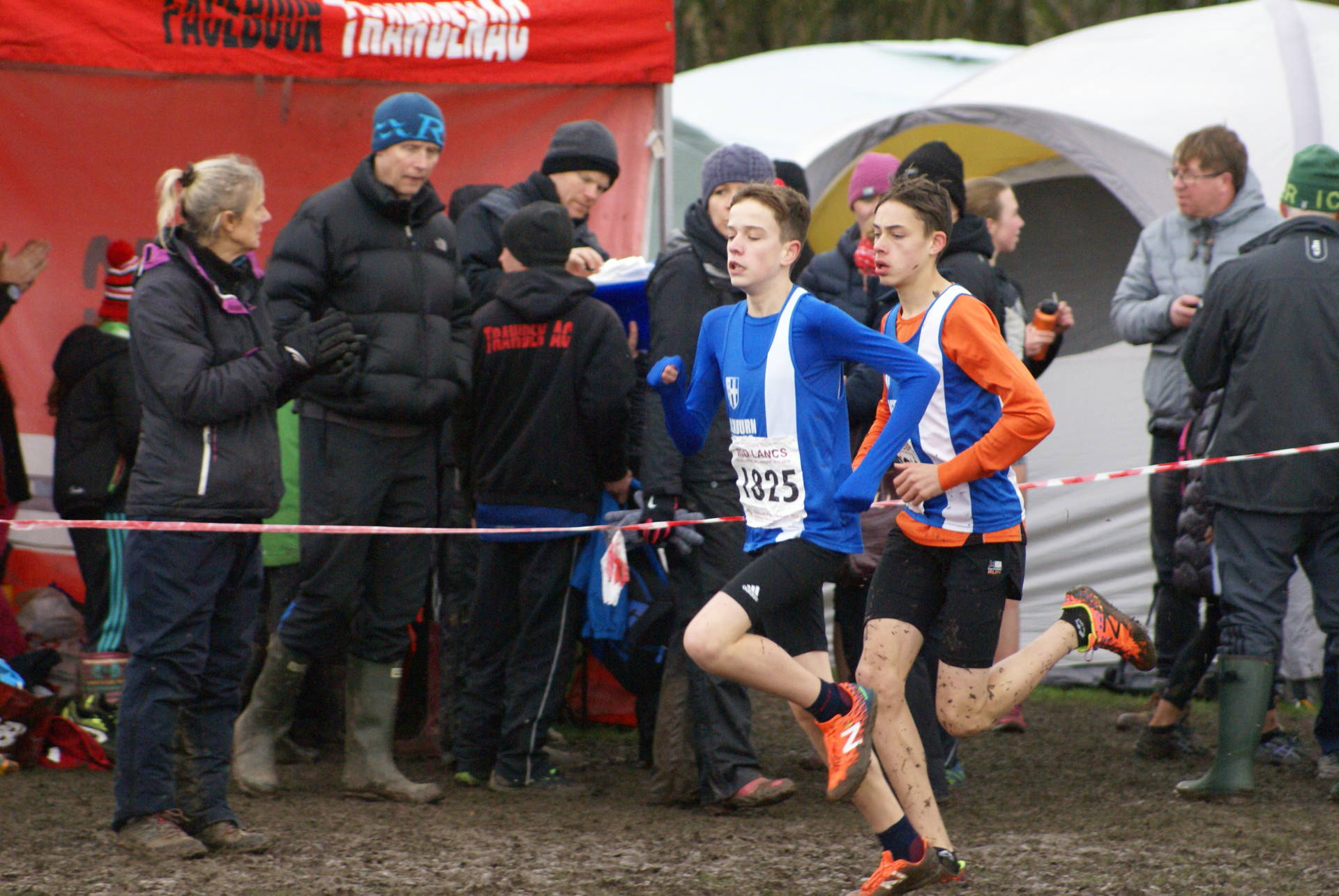 Wins for U13 and U15 Boys at Mid Lancs – Chris 1st V40 at Longridge 7 – 1st V55 for Ian In Sussex Cross Country League