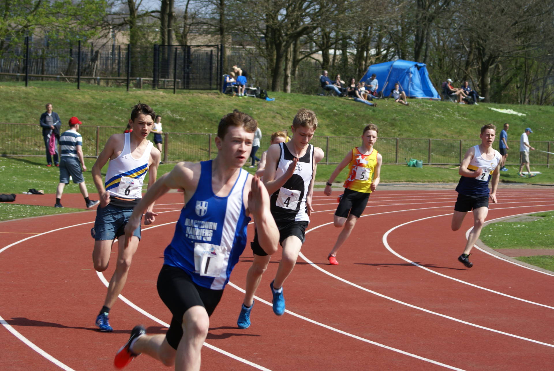 Harriers Win UKYDL Division 1 Match – 13 Harriers Run London – Matt 2nd North West Counter in Mini-Marathon – Ben 2nd at Ron Hill 10k & Pauline wins Women's Race – Jack Wins Clitheroe Triathlon – More Results