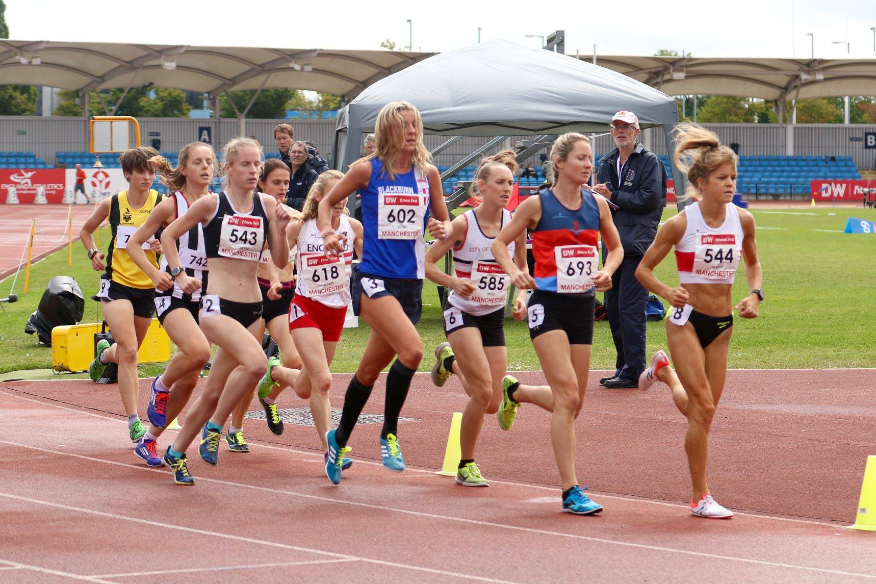 Jess Wins Double Gold at EA Championships & Breaks Club 5000m Record – Mid Lancs T&F League at Barrow – Helen takes the deckchair at Lancaster 5k