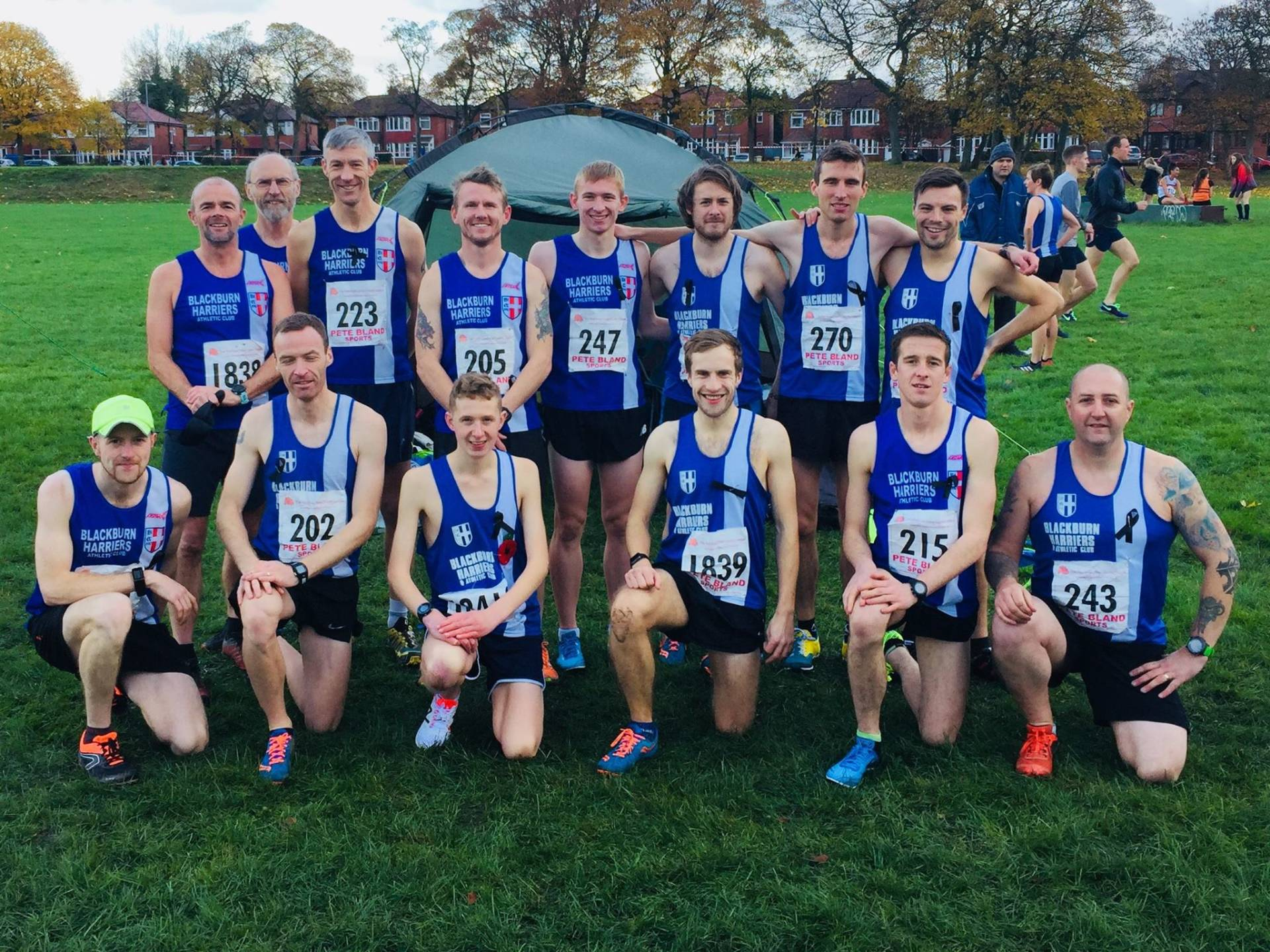 Senior Men & Women win at Red Rose – Sportshall with the Harriers youngsters – Gary & Jonathan tackle an Ultra – Helen is back