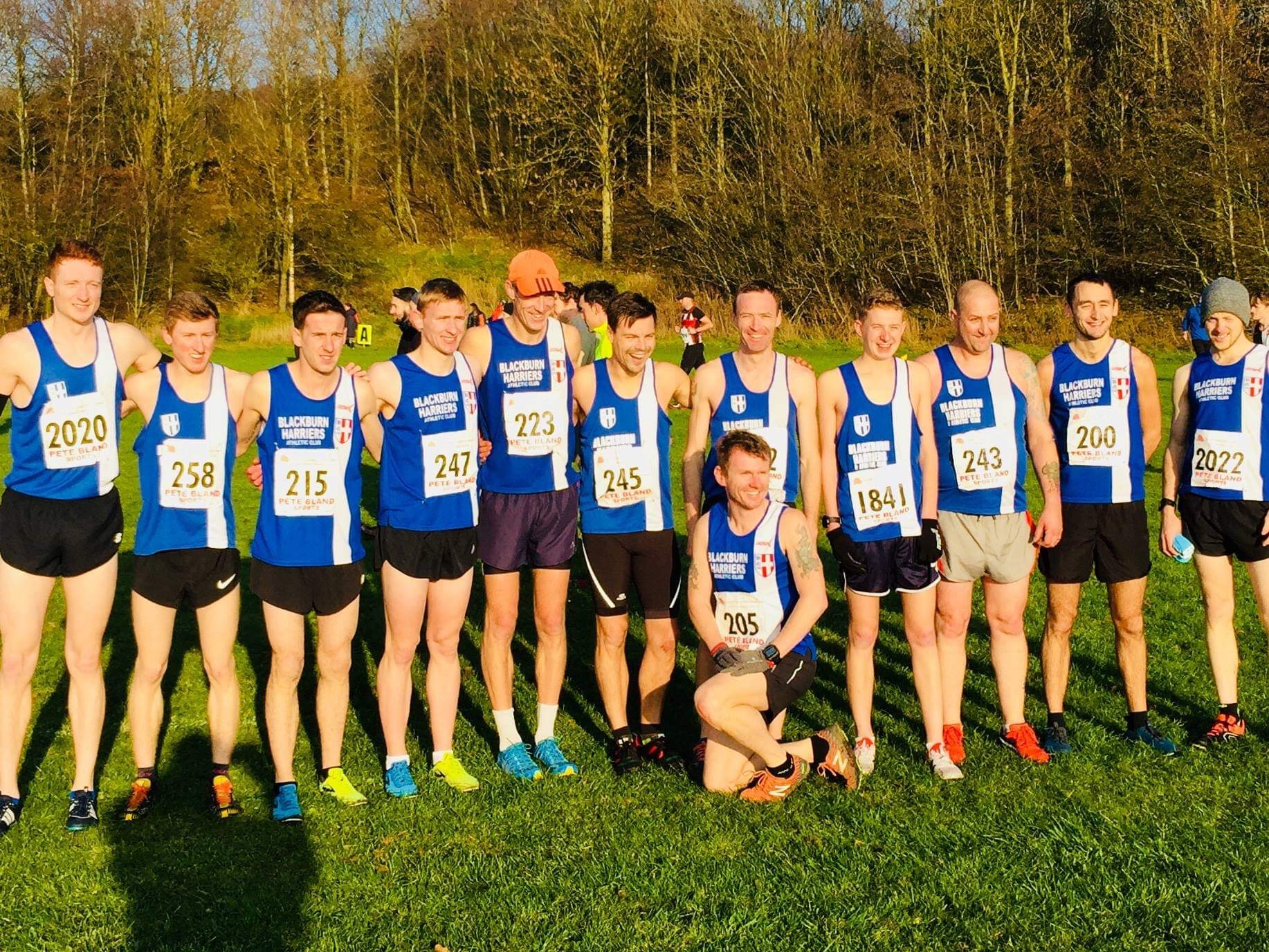 Harriers Senior Men and Senior Women win again at Red Rose League