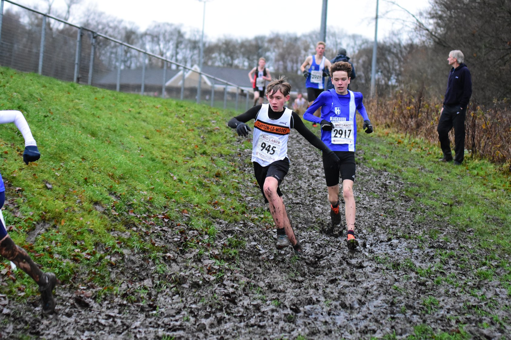 Team Wins for Senior Men – U13 Boys – U15 Girls – Matt wins U17 Race at Mid Lancs – John comes 3rd at Longridge 7
