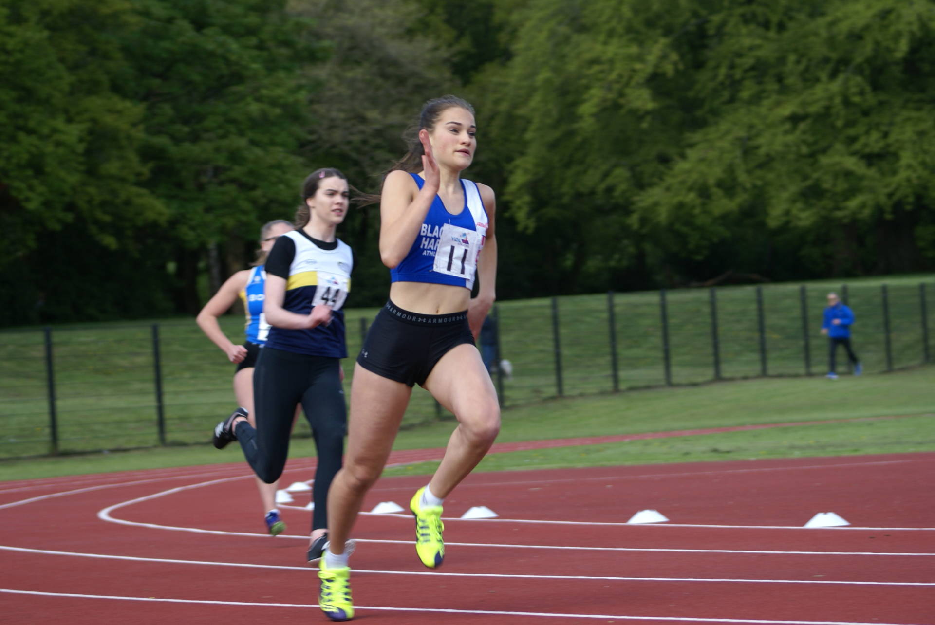 Charlotte goes to No. 1 in National Hammer Rankings + Sam at No. 4 – Matthew at No.6  &  Anthony at No.14 – 22 New PB's for Harriers in UKYDL (3000m ES qualifying time for Matt + U17 Hammer ES qualifying distance for Matthew) – Trafford & York Open Meetings