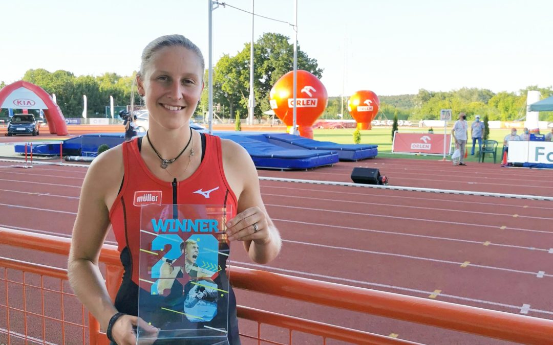 Holly Wins in Poland