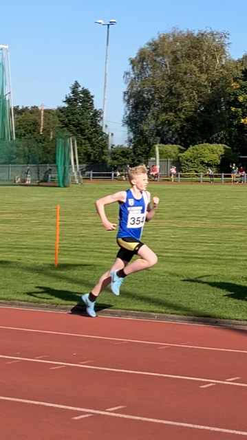 3000m & 1500m  for Luke – Harriers take 4 Wins & 10 PB's @ Trafford – Seasons Bests @ Podium 10k for Tim & Annabel